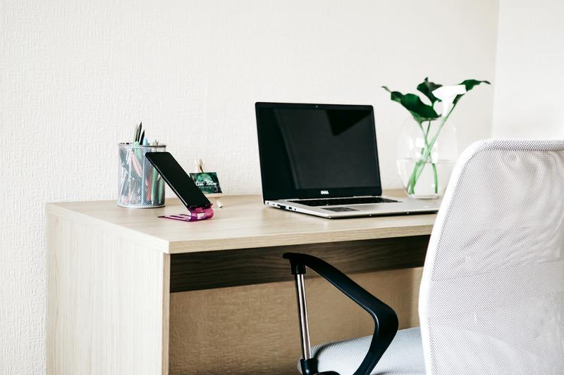Schreibtisch Laptop
